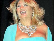 Sibel Can'a elbise azizli�i