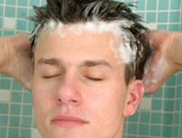 Her gün saç yıkamak doğru mu?