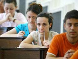 Üniversite Öğrencileri 200 YTL İle Geçiniyor