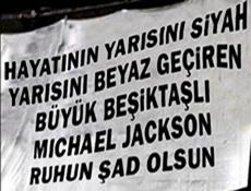 Michael Jackson'a Çarşıdan ilginç pankart!