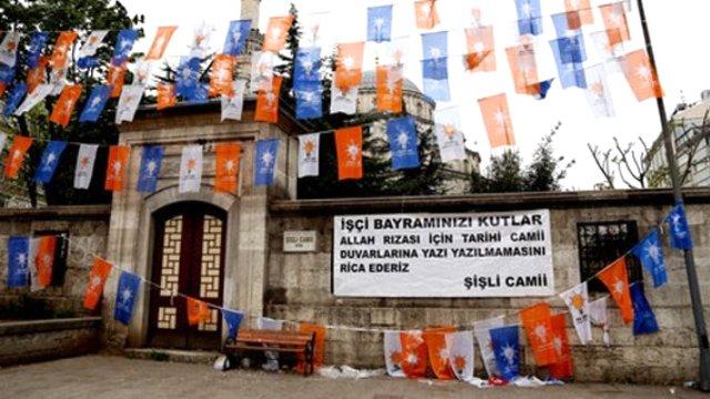 1-mayis-sisli-camii-duvarina-yazi.jpg