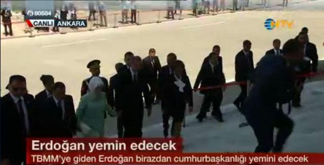 12.-cumhurbakani-recep-tayyip-erdoğan-ve-eşi-emine-erdoğan-mecliste.jpg