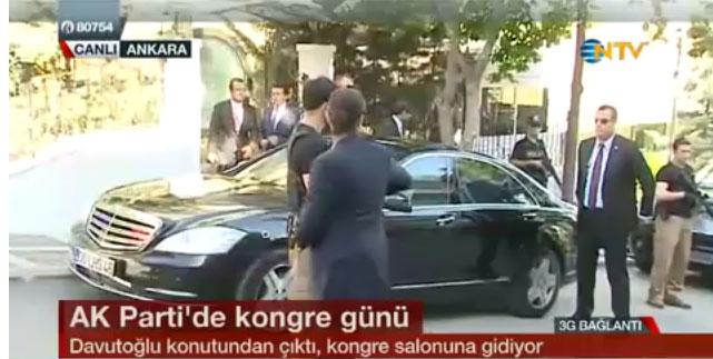 ak-parti-yeni-genel-başkani-ahmet-davutoğlu-konutundan-ayrilip-ak-parti-kongresine-giderken.jpg