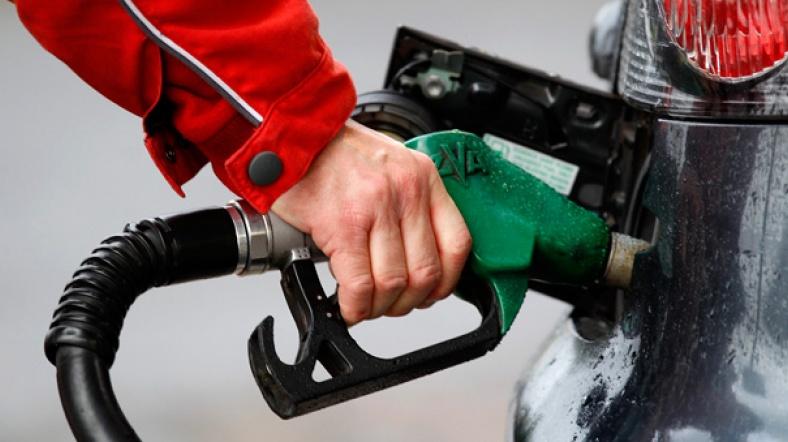 benzin-fiyatlari-neden-ucuzlamiyor.jpg