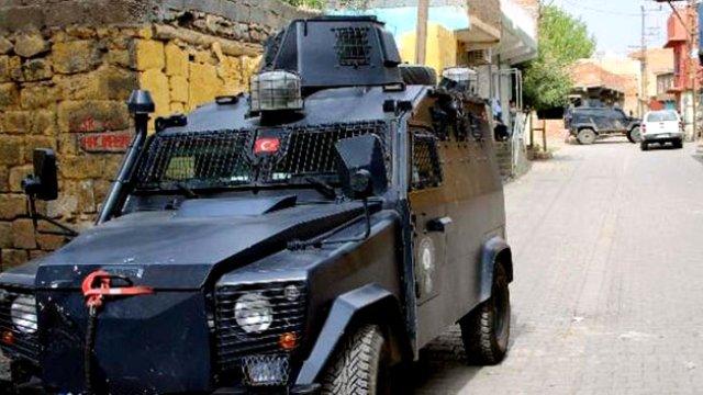 diyarbakir-da-polis-ekiplerine-roketli-saldiri-7663454_x_8770_o.jpg
