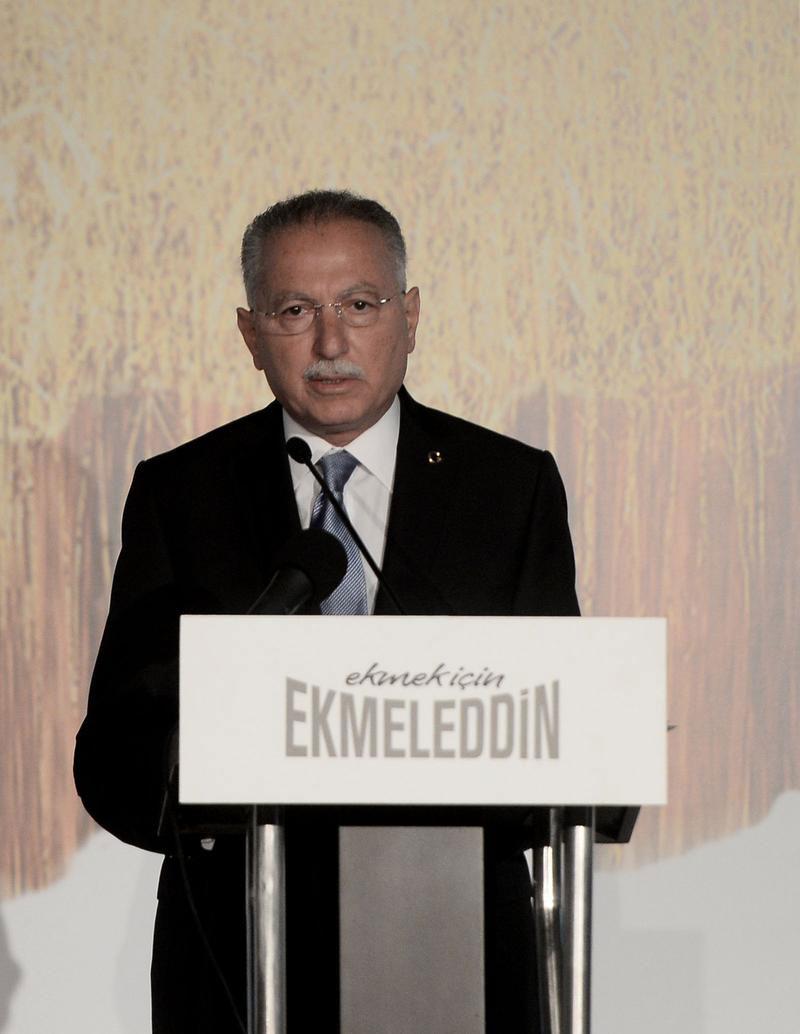 ekmeleddin-ihsanoğlu-seçim-slogani.jpg