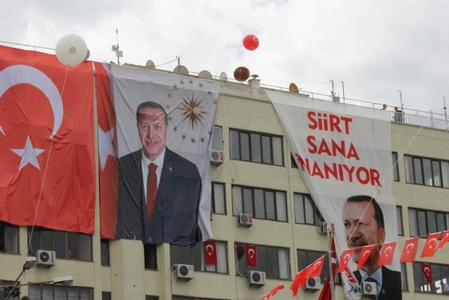 erdogan-siirt-pankart-1.jpg