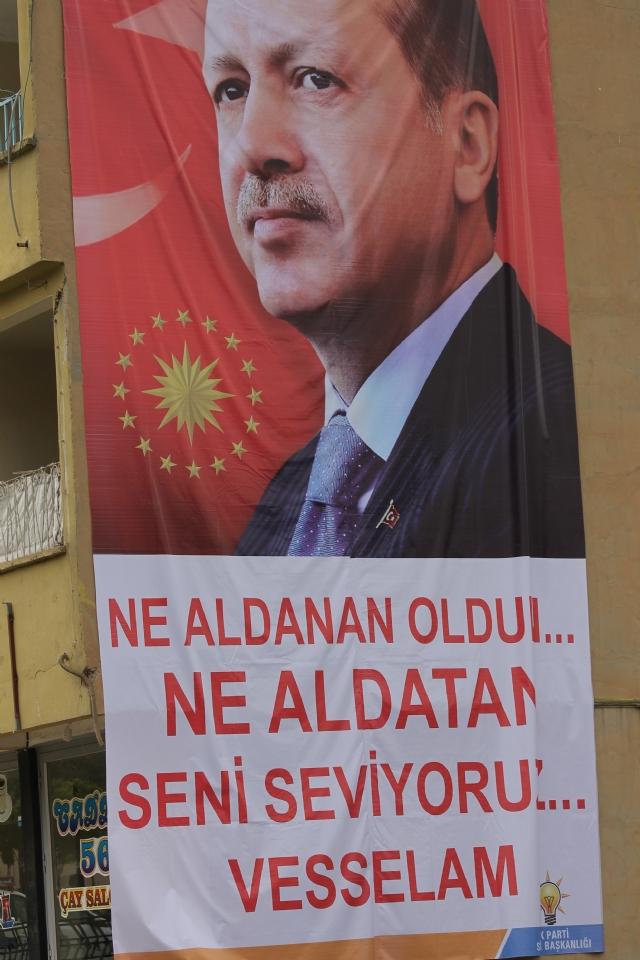 erdogan-siirt-pankart-2.20150504135357.jpg