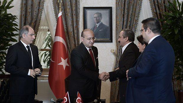 hdp-heyeti-yalcin-akdogan.20150302093824.jpg