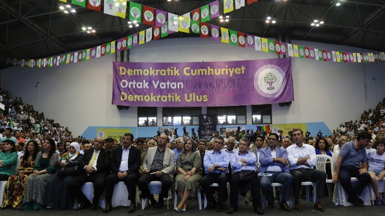 hdp-kongre_osman_bayturk.jpg