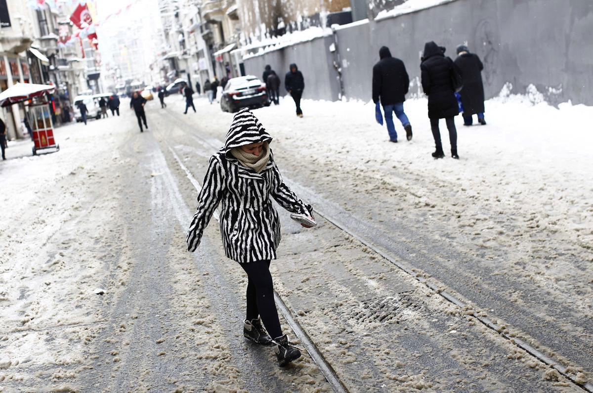 istanbulda-okullar-tatil-mi-valiliğin-karari.20150218155021.jpg