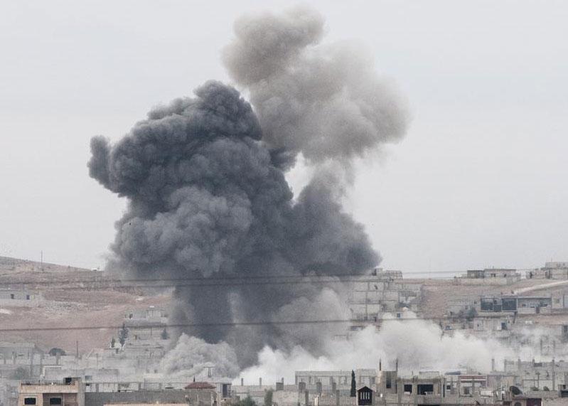 kobani-hava-saldirisi-yeni-kobane-fotoğrafi.20141015081620.jpg