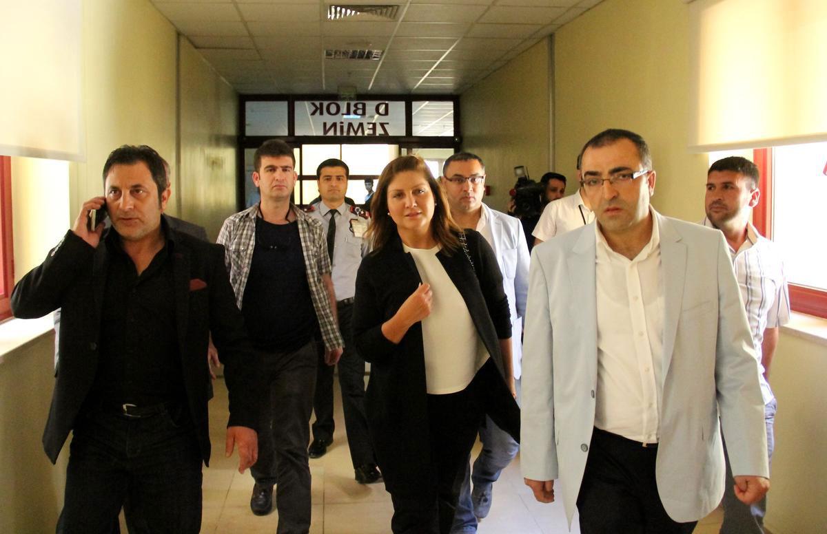 sibel-can-diyarbakir-hastane-mutlu-kaya-ziyareti.jpg
