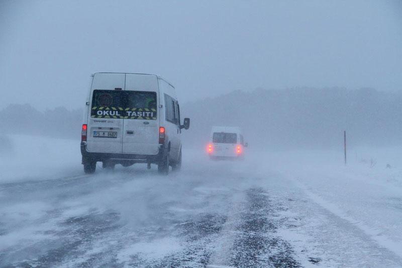 kar yağışı kapalı yollar ile ilgili görsel sonucu