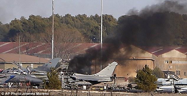 yunan-f16-uçaği-düştü.jpg