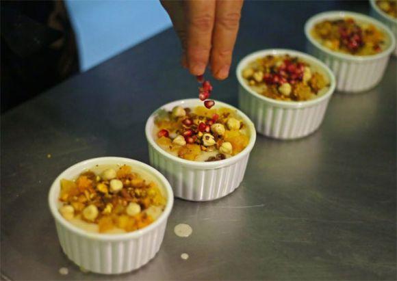aşure nasıl pişirilir aşure malzemleri ve en kolay aşure tarifi